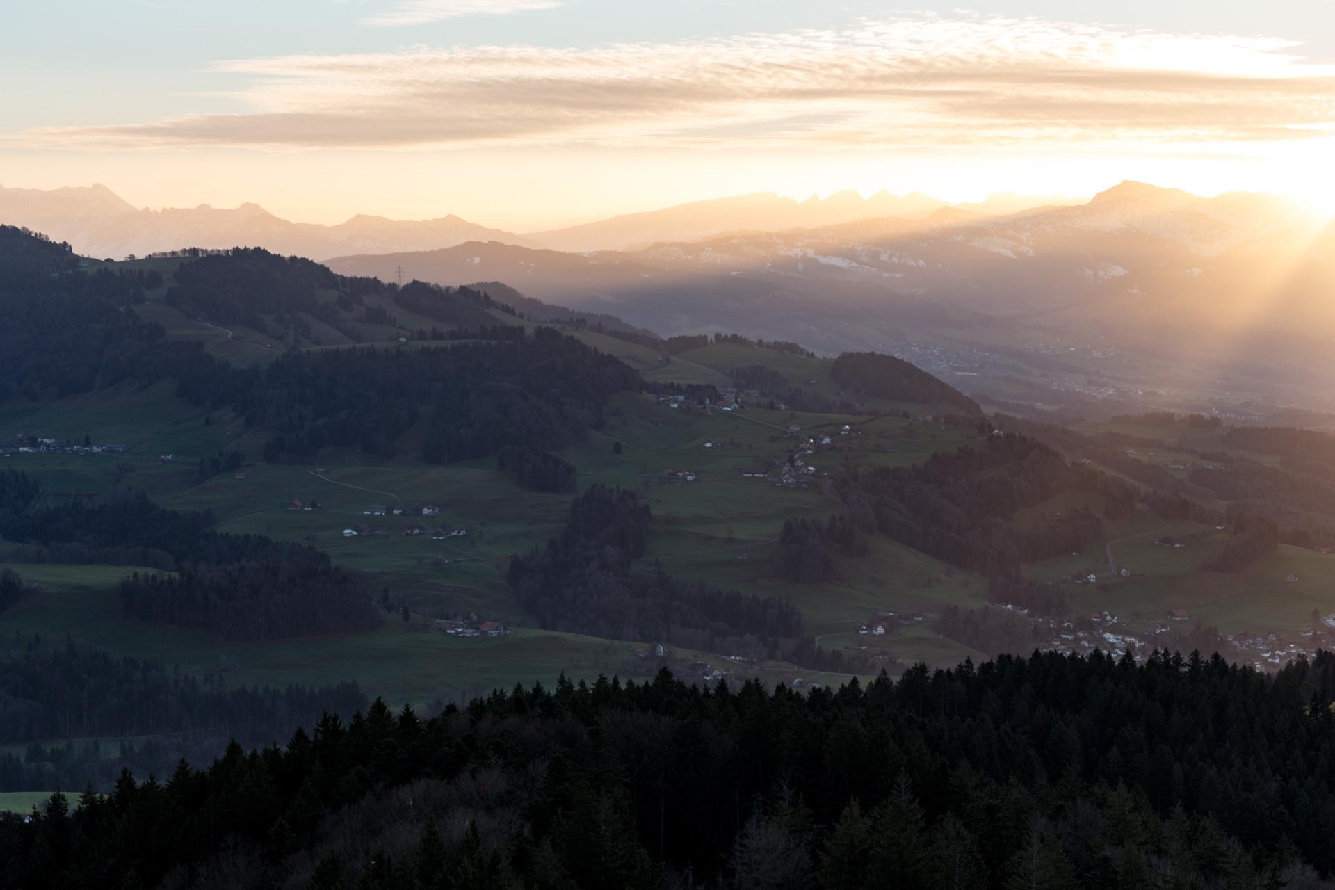 Sonnenaufgang-Bachtelturm_20151219_5970-1