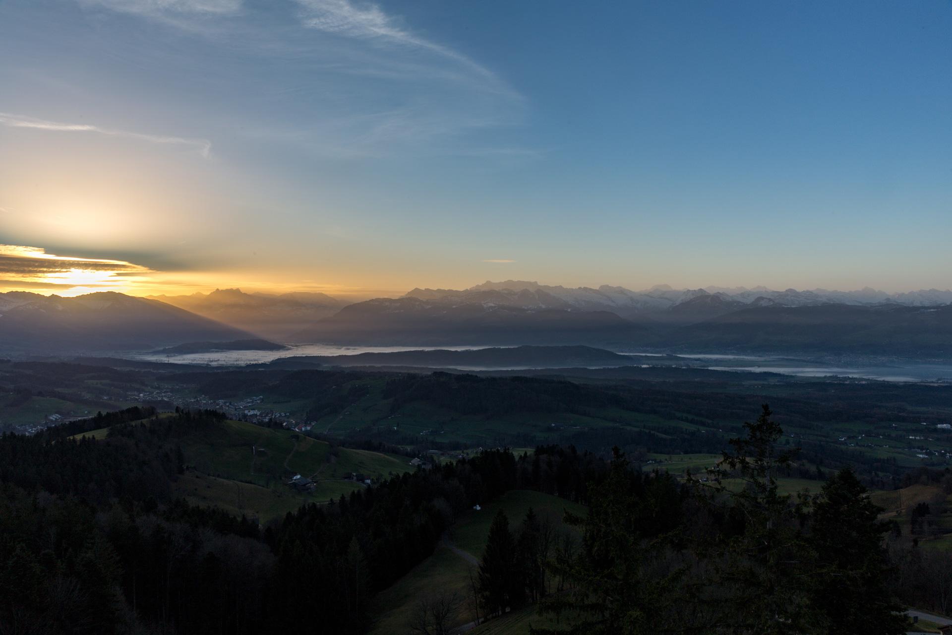 Sonnenaufgang-Bachtelturm_20151219_5976-1ebene