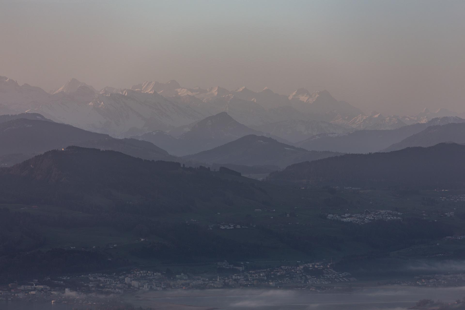 Sonnenaufgang-Bachtelturm_20151219_6019-1